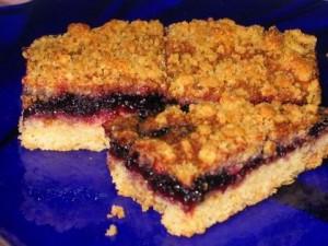 Постный тертый пирог с вареньем