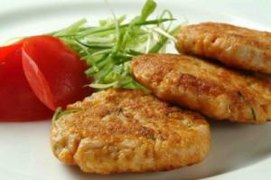 Рецепт приготовления постных свекольных котлет с инжиром и черносливом